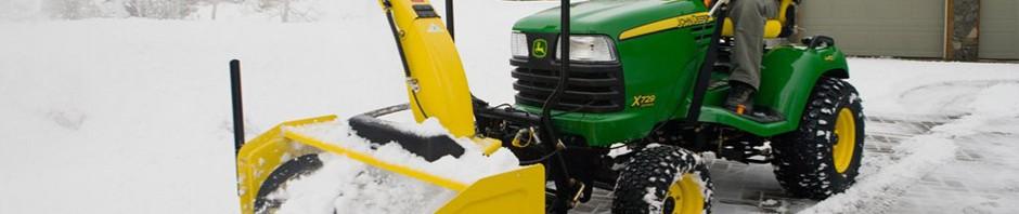 john-deere-lawn-tractor-snowblower